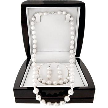 Boxed pearl jewelry set