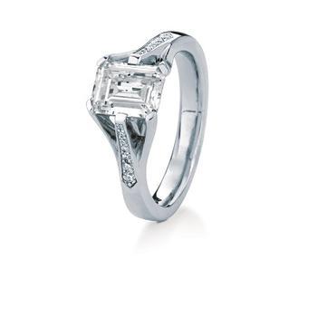 MaeVona Kerrera semi engagement ring