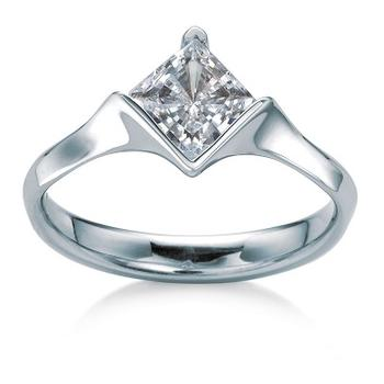 MaeVona Sanday semi engagement ring