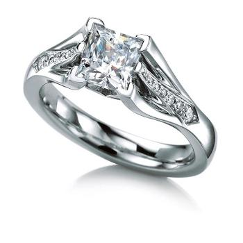 MaeVona Swona semi engagement ring
