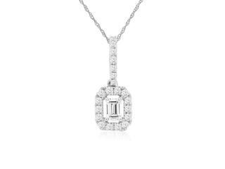 White gold pendant with an emerald cut diamond